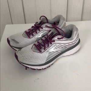 Brooks ghost 12 Womens size 8 used